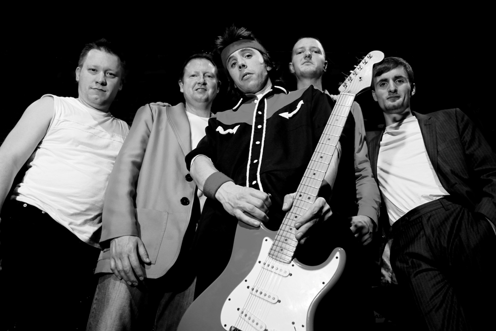 MONEY FOR NOTHING – EUROPE'S NO 1 DIRE STRAITS TRIBUTE